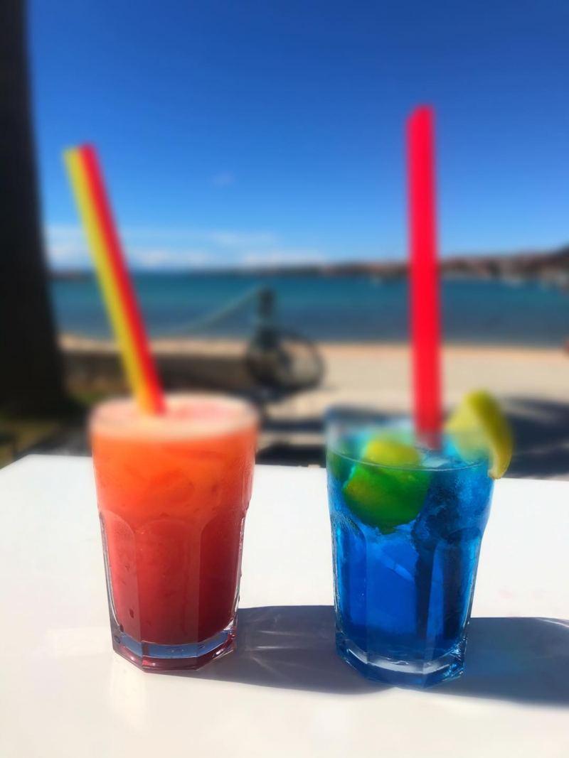cocktail novalja vicino alla spiaggia
